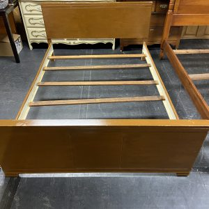 FURNITURE Full Size Wooden Bed Full bed
