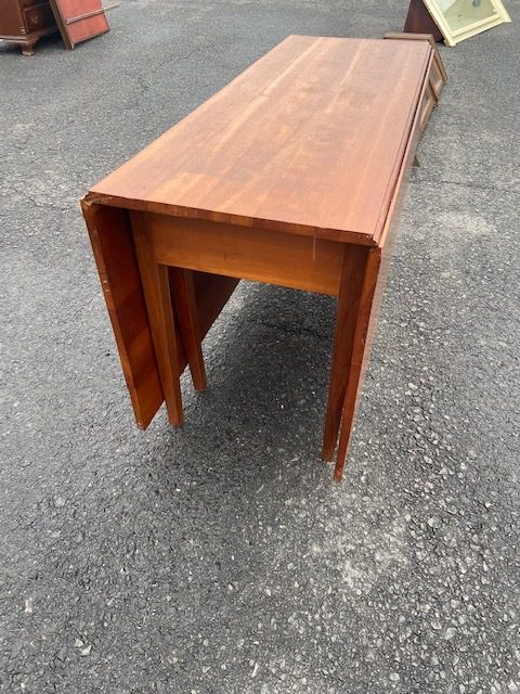 FURNITURE Early Drop Leaf Table antique dropleaf table