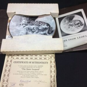 """Plates, Bowls & Spoons """"THE SNOW LEOPARD"""" KNOWLES CHINA COMPANY COLLECTIBLE PLATE #7245A w/ COA [tag]"""